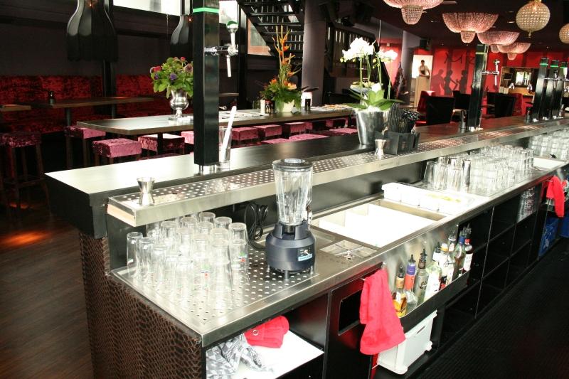 Thiết bị Bar, Thiết bị bar cafe, thiết bị quán bar, thiết bị quầy bar, thiết bị quầy bar inox, thiết bị pha chế inox, thiết bị pha chế cho bar, Bartender