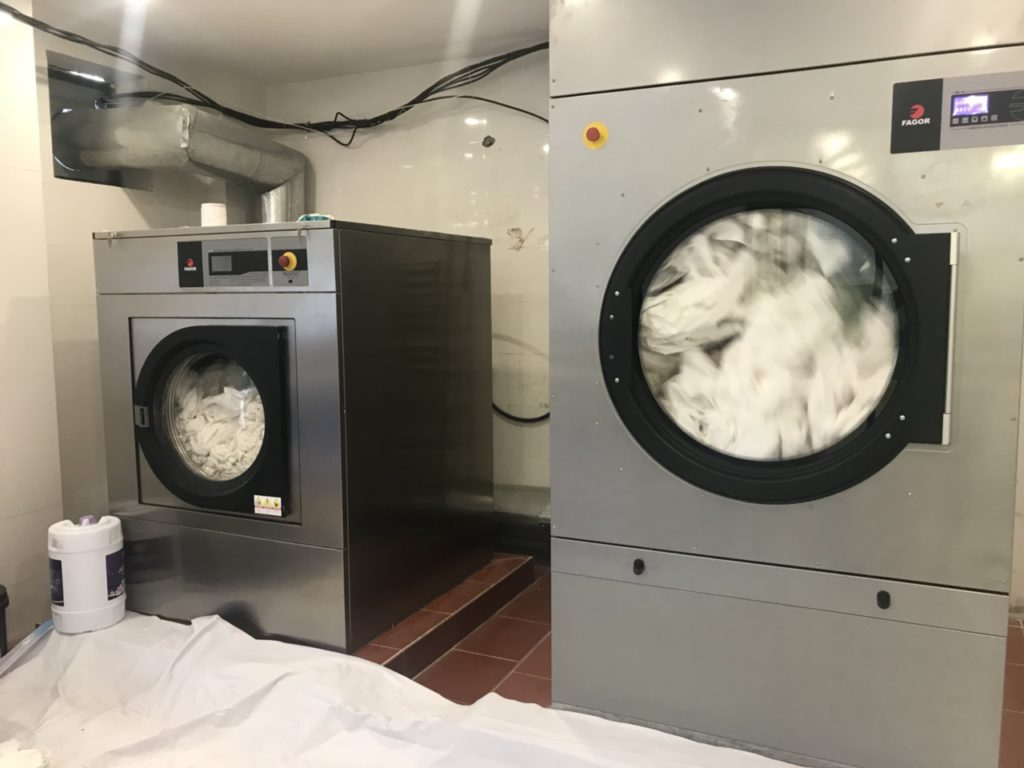 Máy giặt công nghiệp giá rẻ tại tphcm