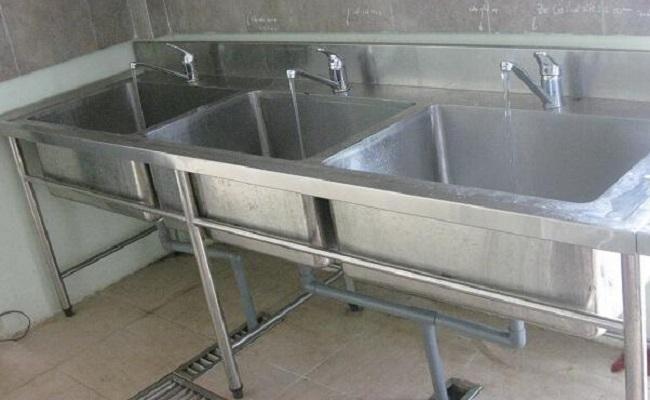 Bồn rửa inox công nghiệp thiết kế dày dặn
